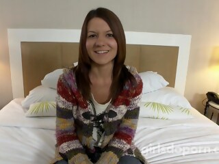 LobsterTube brunette casting handjob