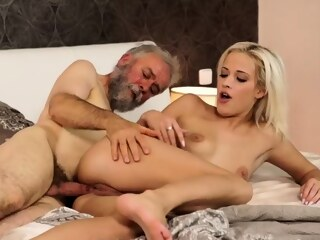LobsterTube blonde blowjob hardcore
