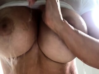 LobsterTube amateur big boobs shower